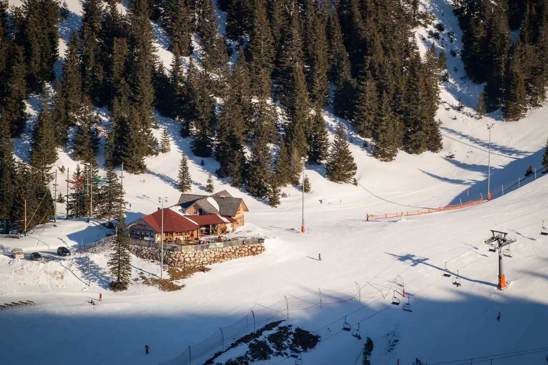 Latschen-Alm - Die Skihütte mitten im Hochkar